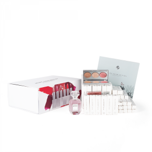 ESSENS MUST HAVE EDITION BEAUTY PACK - set celotne dekorativne kozmetike
